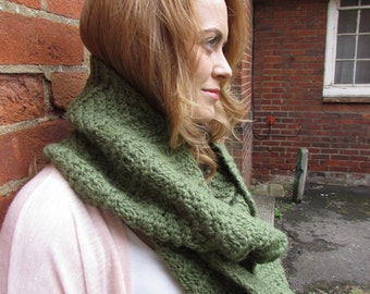 Chunky knitted infinity scarf snood cowl - Drops Andes alpaca and wool mix - super warm and cosy