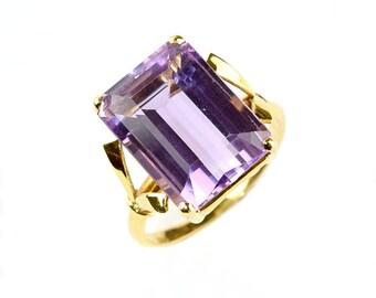 Elegant simplistic amethist 1940s ring in 18K YG