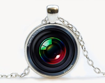 Camera Lens pendant. Camera Necklace. Camera jewelry. Birthday gift
