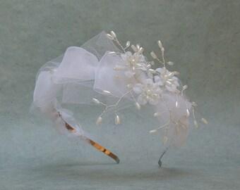 White Bridal Headband, Floral Bridal Crown, Old Hollywood, Wedding Hair Accessories, Bridal Headpiece, Flower Headband, Wedding Headpiece