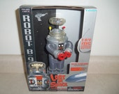 Trendmasters Lost In Space B-9 Robot NIB