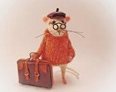 Felt Mouse traveler Woolen figurine Waldorf doll Funny mice Needle felted animal Mouse bag Dollhouse Handmade amusing gift