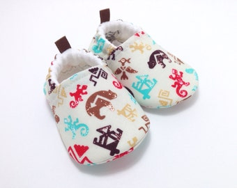 Totem Baby Shoes, Baby Slippers, Soft Sole Baby Shoes, Baby Booties, Toddler slippers, spirit symbols, totem animals