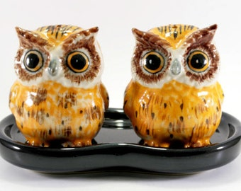 Owl, salt and pepper shakers -  2872