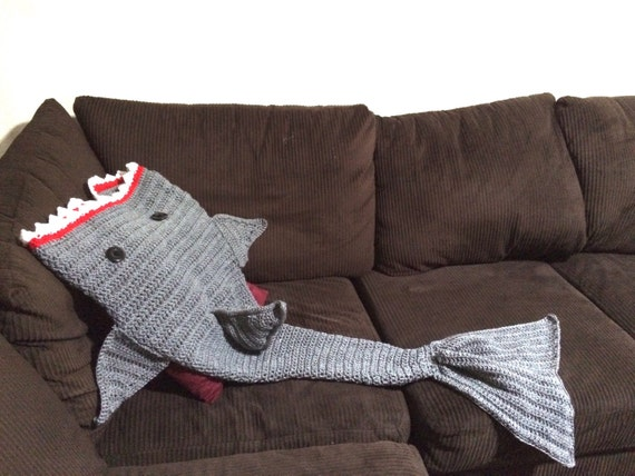 Knitting Pattern For A Shark Blanket : Crochet Shark Blanket
