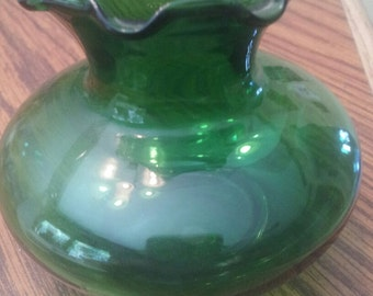 Small scalloped emerald glass vintage vase