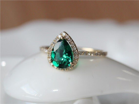 1 6ct pear cut emerald ring set 14k yellow gold pave halo