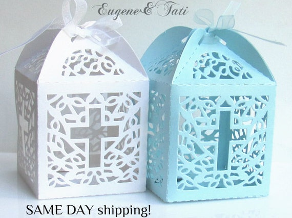 Favor boxes with cross : Cross white favor boxes for christening by baptismdecoration