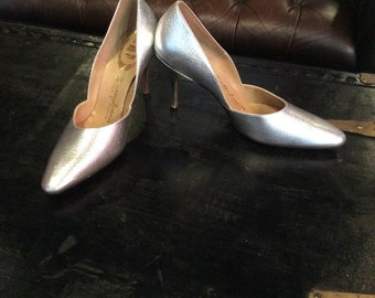 Vintage silver Danny Simmons Las Vegas French Bootier high heeled pumps size 7