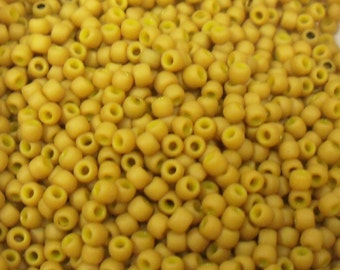 Toho Seed Bead Size 11 Opaque Frosted Gold Luster Yellow 20gr 32615