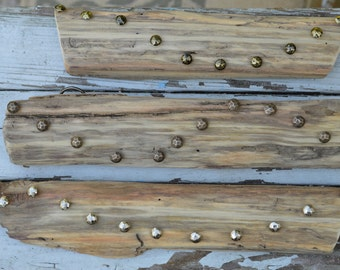 Small driftwood jewelry organizer