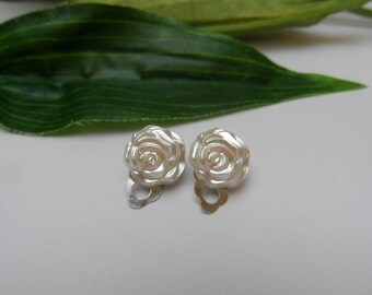 Flowergirl Rose Clip on Earrings, girls clip on earrings, rose clip on earrings, clip on earrings, wedding accessories