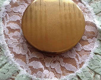 Vintage stratton compact 1950's