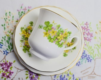 SALE SALE SALE floral trios with yellow flowers by queen anne was 7.99 now 4.99