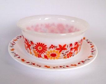 Vintage arcopal bowl and large round dish / orange flowers 70s
