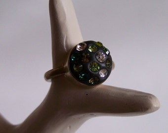 Black ring 13 Swarovski crystals golden mount Size Q (UK) 8 (US) cristal clay