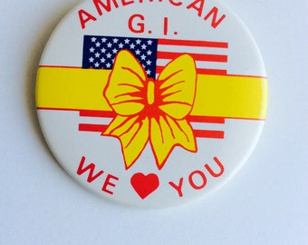 Vintage US Military Button GI Pinback Buttons Support Soldiers American We Love You Yellow Ribbon Bow Button Collectible Pin USA Flag Pin