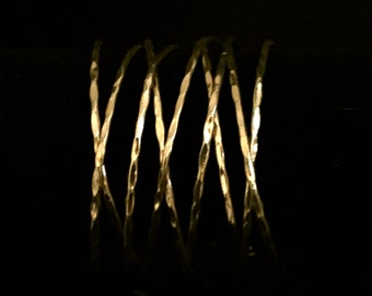 A Wide Metal Wire Cuff Bracelet    VG1756