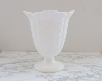 Vintage Fenton Milk Glass Daisy and Button Fan Vase / Large Milk Glass Vase / Daisy and Button Vase
