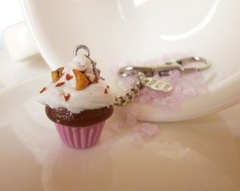 Pretty Keychain - Fake Cupcake - Girl Keychain - Key Chain Food - Fake Food Charm - Pink Girly Keychain - Cupcake Creamy