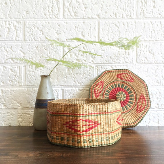 African Baskets With Lids: Vintage Woven Basket With Lid / African Basket / Wicker Basket