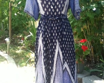 Perfect Vintage Gauze Summer Dress in Shades of Blue-Indian Print