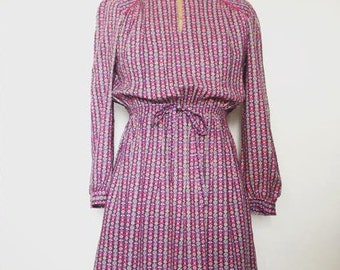 70s Print Vintage Pink Dress, super cute channeling those 70s vibes!