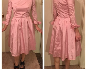 PRETTY IN PINK Vintage Women's Taffeta Dress With Bows