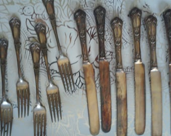 Antique Reliance Silverplate Hollware - 6 Knives and 6 forks. Price just drastically reduced!