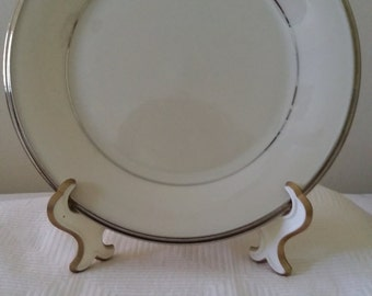 Solitaire lenox china, Lenox China - 7 place settings available, traditional china, Lenox classic china set, beige china, china set