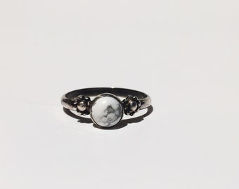 White Daisy Daze Ring; howlite ring; white stone ring; sterling silver ring; statement ring; stacking ring; flower ring; bohemian jewelry