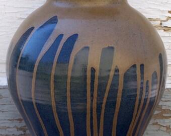 Vase with ash glaze