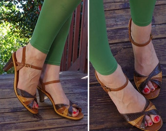 TWIST 1970's Vintage Brown Faux Snakeskin Strappy Open Toe High Heels // Sandals // size 9 N // Red CROSS Shoes