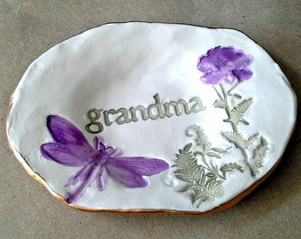 Ceramic Trinket Ring Bowl  edged in gold Grandma  Mothers day