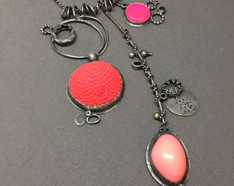 neon coral pink necklace sculpture sculptural wearable contemporary art jewelry big neon necklace
