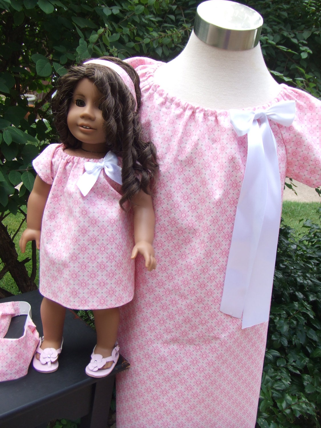 Free patterns for American Girl and other 18″ dolls. Katie Dress Carpatina Dress. Old Fashioned dress Spring dress Dollar store doll clothes—pants, shorts, leggings, bike shorts, halter top, camisole, socks. Doll Panties Free patterns for American Girl and other 18″ dolls;.