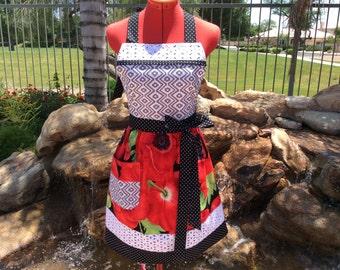 Poppy Sassy Apron, Retro Style with Daisy Eyelet Trim and Towel Loop, Womens Plus Sizes, Kitchen Apron, Full, Retro, Gift Ideas, Summer Fun