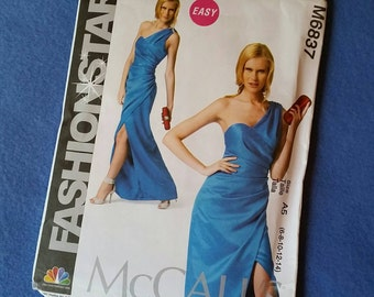 Uncut McCall's Fashion Star Dress Pattern - M6837 - Misses' sizes 6, 8, 10, 12, 14 (size A5)