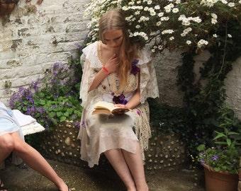 VISERYS - ecru cream & violets - Size UK 20 / US 18