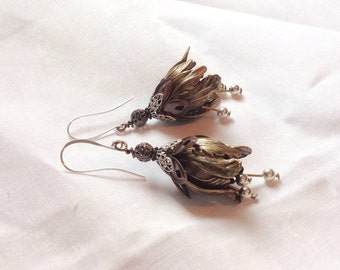 oO SWEET TULIPS Oo Ox Brass flower earrings