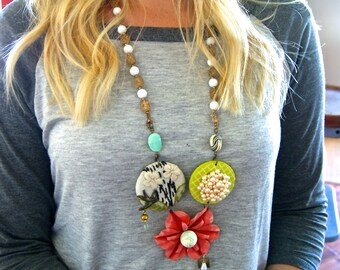 Flower power long necklace