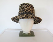Vintage 1960s Mod / Leopard Print Faux Fur / Bucket Hat w/ Wide Brim & Black Vinyl Bow