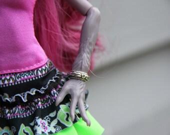 2 Metal Flower Bangle Bracelets fits Petite Slimline Fashion Dolls Monster EA Pullip Silver Gold Antique Gold