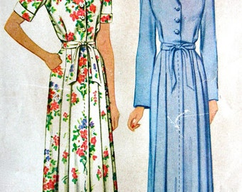 UNCUT * McCall Pattern 5300 - Vintage 1940's Sewing Pattern - Ladies' PRETTY Hostess Robe, Housecoat - Size 16 * Bust 34