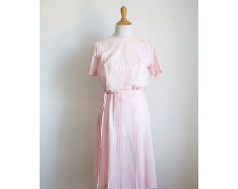 Vintage 1960s Light Pink Pleated Day Dress