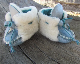 Baby Mukluks By Desi, 3-6 months, Blue Leather, White Sheepskin fur, first walking shoes, NewBorn, Softed Soled, Girl, Boy, Moccasins