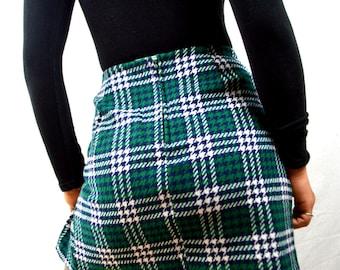Vintage 1970s Mini Plaid Pleated School Girl Skirt - NWT