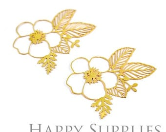 40% off - Exclusive - 4pcs Raw Brass Flower Charm / Pendant, Fit For Necklace, Earring, Brooch (RD030)