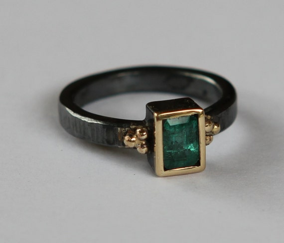 Natural Medium Green .98ct Columbian Emerald Oxidized Sterling Silver And 14K Gold Ring SZ 6.5