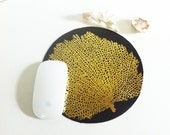 Leather Mouse Pad / Gold Fan Coral on Black Leather / Circle Mouse Mat, Custom Mouse Mat / Round Gold Mouse Mat / Black / Keyboard Accessory